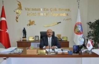 Hayri Samur, Dördüncü Kez Yılın Belediye Başkanı...