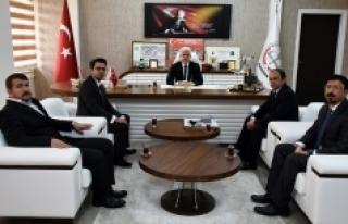 """Kuntoğlu, """"Öğretmenlik, Atanarak Değil Adanarak..."""