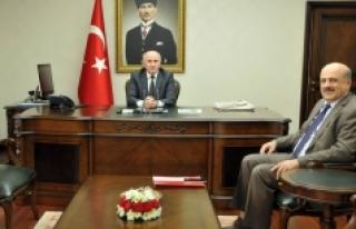 Vali Meral TÜİK Konya Bölge Müdürü Çapoğlu'nu...