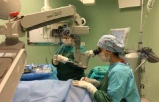 Hayırsever Vatandaş, Hastaneye Göz Ameliyat Mikroskobu...