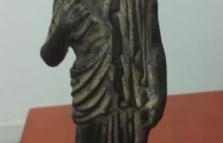 Karaman'da Roma Dönemine Ait Heykel Ele Geçirildi