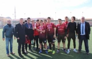 Okullar Arası Gençler Futbol Müsabakaları Sona...