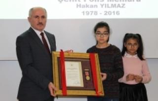 Şehit Polis Memurunun Devlet Övünç Madalyası...