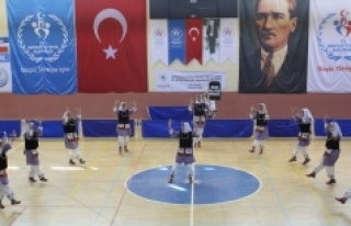 Halk Oyunları İl Birinciliği Yarışmaları Sona...
