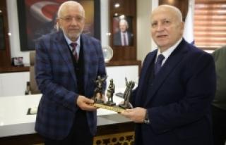 Işın Çelebi Karaman Belediyesi'ni Ziyaret...
