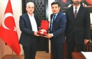 Kuntoğlu, Ermenek'te İlçe Milli Eğitim Müdürleriyle...