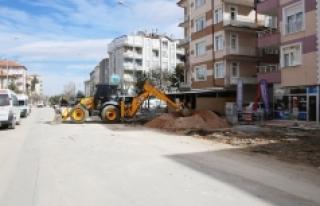 Molla Fenari Caddesi'nde Kaldırımlar Yenileniyor