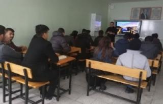 Portekiz'e Gidecek Öğrenciler Yabancı Dil Hazırlıklarına...