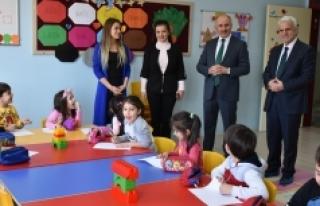 Vali Fahri Meral ve İl Müdürü Kuntoğlu Minik...