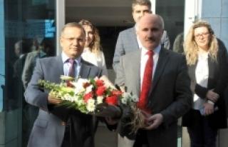 Vali Meral Türk Telekom İl Müdürlüğünü Ziyaret...