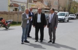 Başkan Çalışkan Larende Mahallesi'ni Gezdi