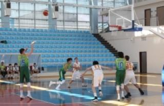 Basketbol U16 Erkekler Bölge Şampiyonası Karaman'da...