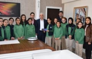 İyilik Kulübü Öğrencileri Kuntoğlu'na Çalışmalarını...