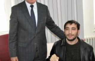 Vali Meral Başarılı Engelli Sporcuları Kabul Etti
