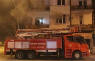 Yangında Dumandan Etkilenen Bir Kişi Hastaneye Kaldırıldı
