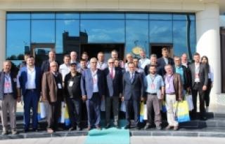 Karaman'da Besicilik Sempozyumu Yapıldı