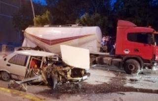 Otomobil Park Halindeki Tankere Çarptı: 1 Yaralı
