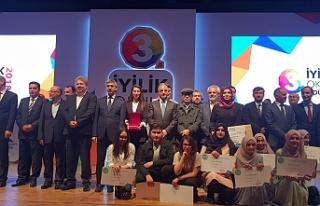 """""""İyilik Okulları"""" Projesinde İlimize İki Türkiye..."""