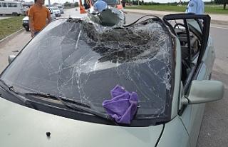 Açılan Vinç Kolu Otomobilin Tavanını Parçaladı:...