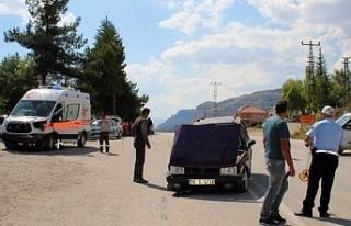 Karaman'da Ambulans İle Otomobil Çarpıştı:...
