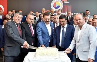 Çavaş, Doğum Günü Pastasını Hisarcıklıoğlu...