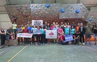 KARDOF Sporcusu Tırmanış Eğitimini Tamamladı