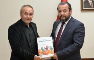 Rektör Akgül İşitme Engelliler Derneği Yönetimini...