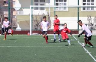 Yıldızlar Futbol İl Birinciliği Müsabakaları...