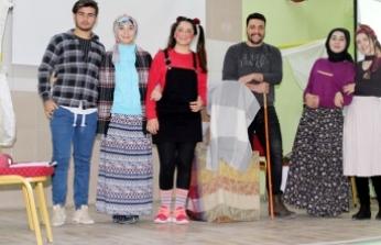 BESYO Öğrencilerinden Spor Lisesi Öğrencilerine Tiyatro Gösterisi
