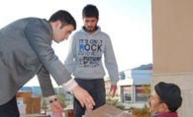 KMÜ Ailesi Depremzedelere Yardim Elini Uzatti