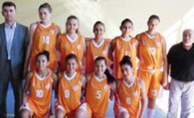 Esnaf Barisspor Bayan Basketbol Takimi Samsunspor'u Konuk Ediyor