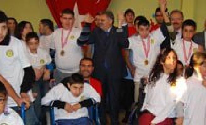 KMÜ'de 2. Engelliler Spor Söleni Yapildi