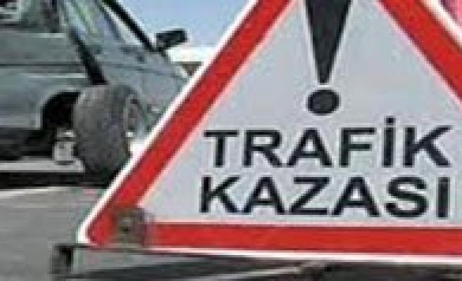 Trafik Kazasinda 8 Kisi Yaralandi