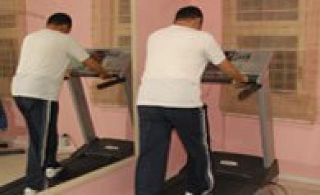 Erkek Spor Merkezi Faaliyetlerini Sürdürüyor