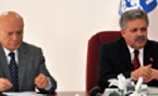 Vali Kahraman ve Baskan Ugurlu Güney Kore Gezisini Degerlendirdi