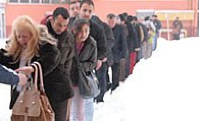 Karaman Belediyesi Otogarda Mahsur Kalan Yolculari Unutmadi