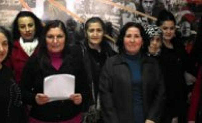 """CHP Kadin Kollari Baskanlari: """"Son Yillarda Kadina Siddette Artis Hat Safhada"""""""