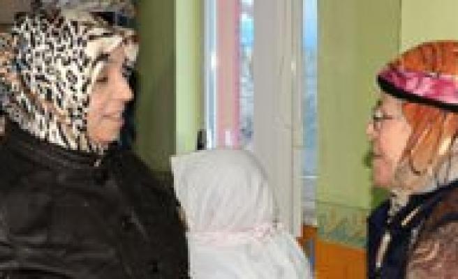 """Hanimefendi Muhsine Kahraman: """"Kadin Olmak Büyük Bir Degerdir"""""""