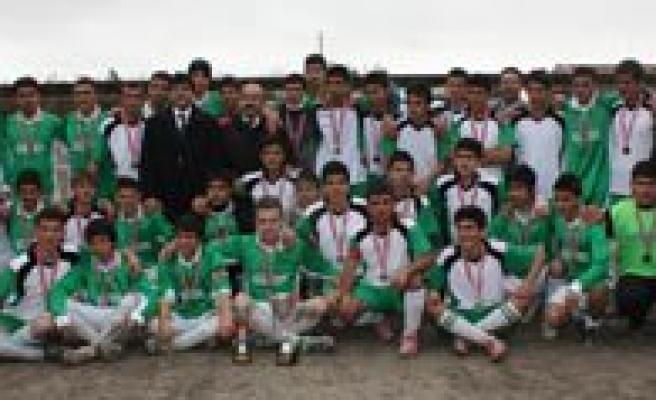 2012 Yilinin Gençler Futbol Müsabakalari Il Birincisi Imam-Hatip Lisesi Oldu