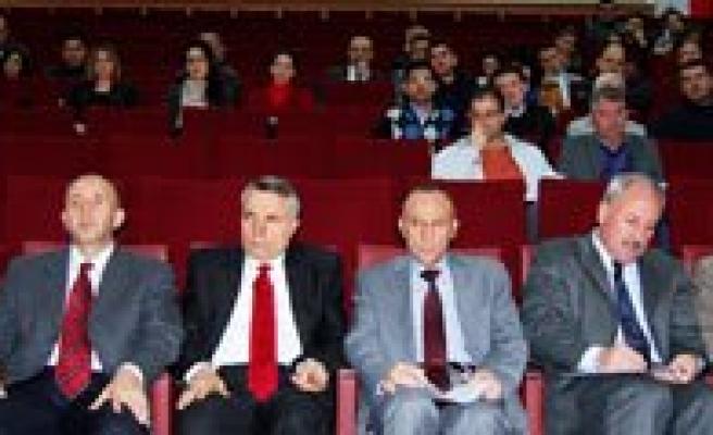 KMÜ`de Program Gelistirme Egitimleri Devam Ediyor