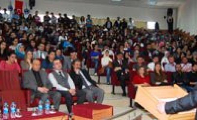 Rektör Yardimcisi Prof. Dr. Karatas'tan Üniversite Hayati Dersi