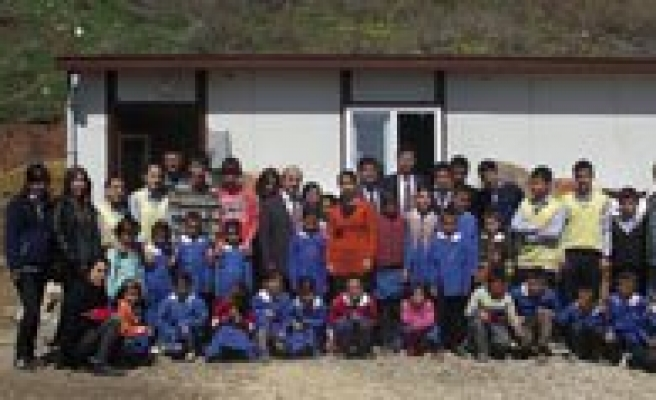 Gençlik Merkezimin Yardim Projesi Sinir Tanimiyor