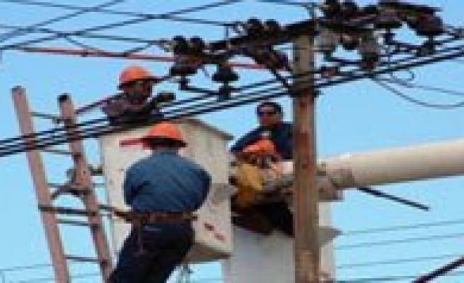 Köylerde Elektrik Kesintileri Sürüyor