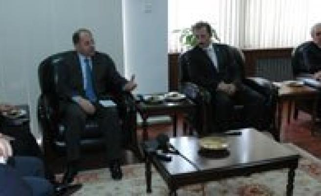 Karaman'da Konusan Saglik Bakani Akdag:  `Vatandaslar Sagliklariyla Ilgili Bütün Önerileri Doktorlarindan Alsin`