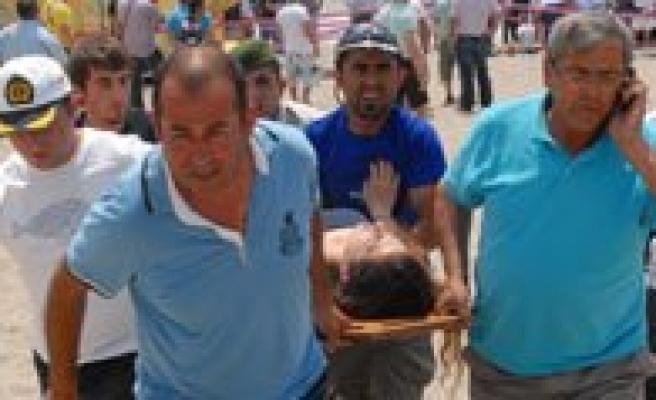 Üniversite Ögrencilerini Tasiyan Otobüs Plaja Uçtu