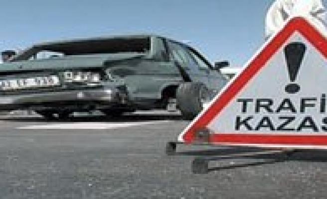 Karaman`da Trafik Kazasi: 5 Yarali