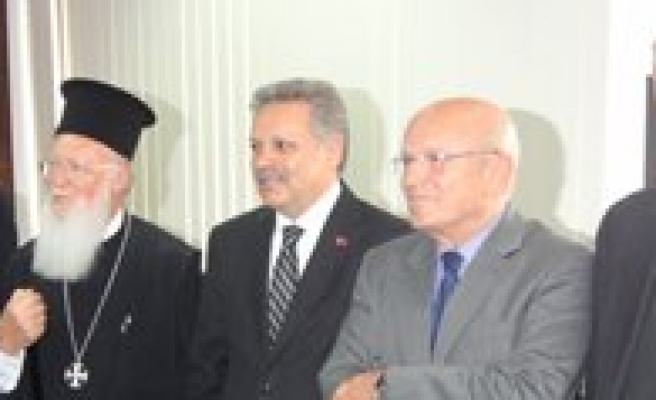 Fener Rum Patrigi Bartholomeos Karamandaydi