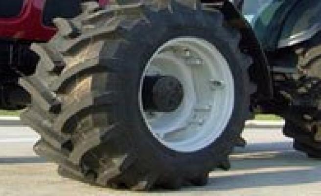 Traktörün Altinda Kalan Çocuk Öldü