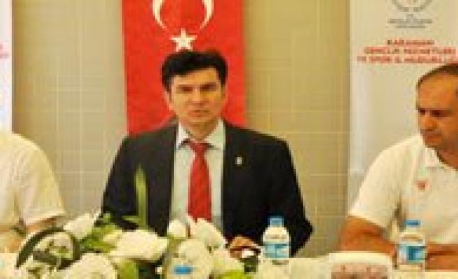 """Gençlik Hizmetleri Ve Spor Il Müdürü Aydogdu:""""Kaynaklarimizi Kimseye Peskes Çektirmem"""""""