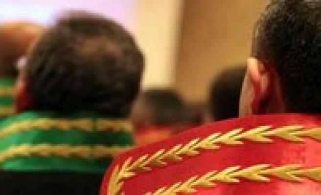 Londra`da Hakim Adaylarina Resepsiyon Verdi